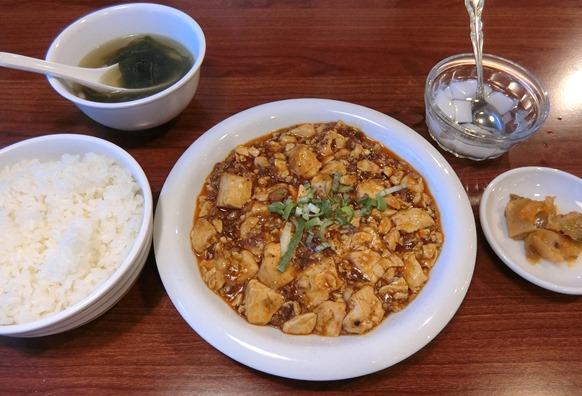 赤坂「三九厨房 2号店」麻婆豆腐定食